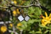 Náušnice bílé s patinou - Tiffany šperky