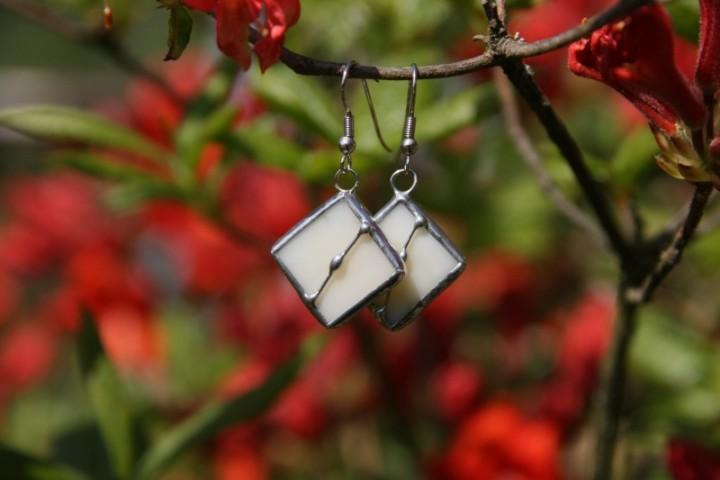 Náušnice béžové zdobené - Tiffany šperky