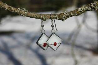 Náušnice paní Zimy s korálkem - Tiffany šperky