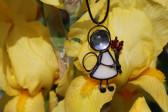 Andílek s červenou kytičkou - Tiffany šperky