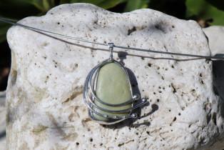 Zelenkavý šperk s kamínkem - Tiffany šperky
