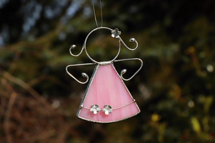 Andílek s kytičkami růžový - Tiffany šperky